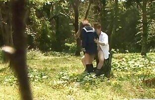 2 nghịch ngợm vụng về Milf trong một phim sex xx hd gangbang với chăm sóc da mặt